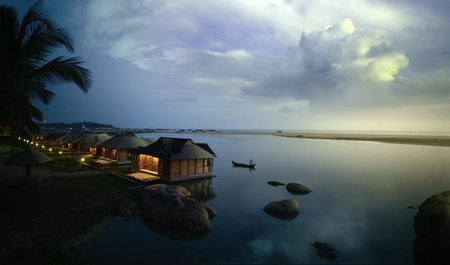 These floating cottages in Kerala are simply paradise on Earth