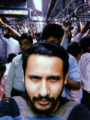 Best view for Mumbaikars if you can click a selfie inside a train#selfiewithaview #tripotocommunity