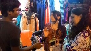BOMBAY: About street-smart shopping!!