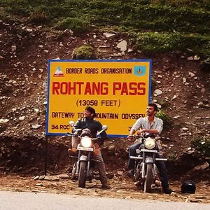 A 3060 km road trip to Himalayas on Royal Enfield(s)!