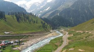 Charmed, Mesmerized, Awestruck - The 3 Exclamations that Truly Define the Kashmir Great Lakes Trek