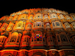 Jaipur Travel Guide: The City Where Royalty Is In The Air!