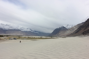 The Ladakh Series | Of Nubra Valley, White Sand Dunes and Failed Plans