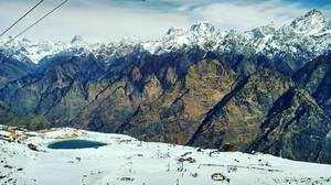 Getting in touch with Auli- First snow trekking and more