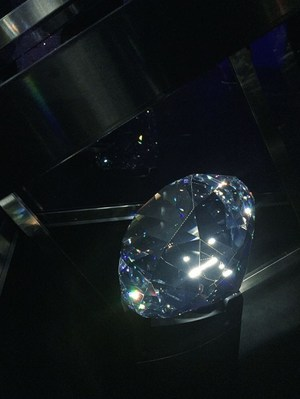 Do you love Swarovski crystal? Visit Swarovski Kristallwelten - Travel Blog | Live Through Passion