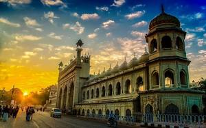 Lucknow: the unexplored city of serene spots, mouth watering food and rich culture.
