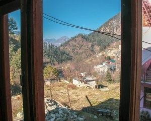 An Unknown and Fabulous Place in the Mountain Laps - Jibhi - Crossroadadventure