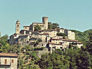 Bagnone Village 1/undefined by Tripoto