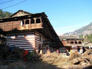 Old Manali 1/33 by Tripoto