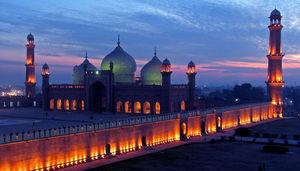 Badshahi Mosque 1/1 by Tripoto