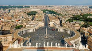 St Peter's Square 1/1 by Tripoto