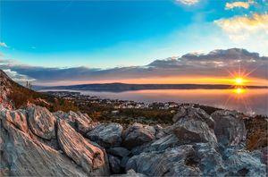 Where the Mountain Greets the Sea: Starigrad Pakle