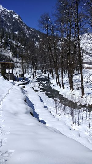 24 hours in Manali just to see snow!! #photosofsnow