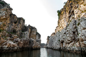 Explore the unusual phenomena of cliffs of Bhedaghat, Madhya Pradesh