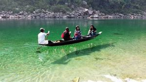 The transparent water of Dawki (Umgot) River and boating experience