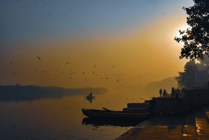 Yamuna Ghat, Delhi in winters where we find peace, beauty of nature and a wonderful boat ride.