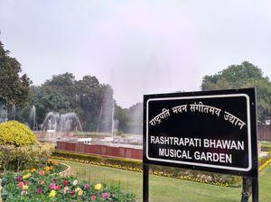 Mughal Garden, Rashtrapati Bhavan.