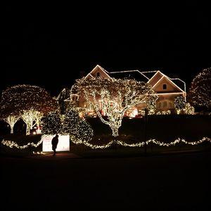 Varsha travels to East Coast, USA during Christmas time.