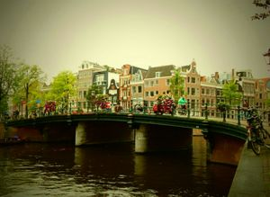 The Unconventional Honeymoon : Amsterdam