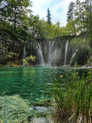 Paradise with 16 terraced lakes and adjoining waterfalls !