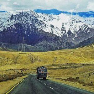 Manali to Leh Road view