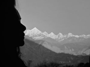 The perfect silhouette with Panchachuli peaks in background. #selfiewithaview #tripotocommunity