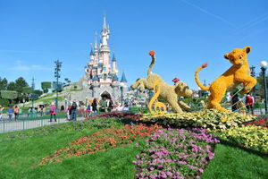 Disneyland Paris 1/undefined by Tripoto