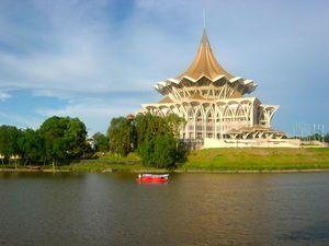 Astana Kuching Sarawak Malaysia 1/1 by Tripoto