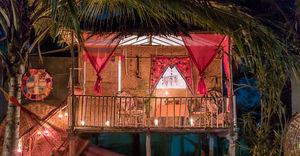 Check out these pretty beach huts in Goa starting at just Rs.1500 per night!