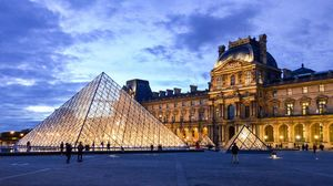 Airbnb Is Offering You a Chance to Have a Sleepover with the Mona Lisa at the Louvre!