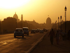 AQI India Reports Delhi Being Engulfed in Dangerous Levels of Pollution & Smog On Diwali Day