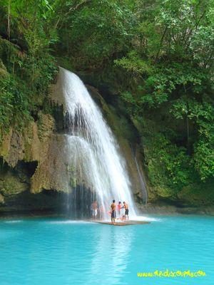 Kawasan Falls 1/3 by Tripoto