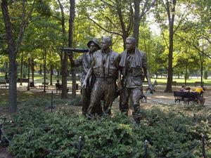 Vietnam Veterans Memorial 1/2 by Tripoto