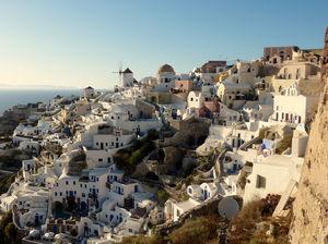 Santorini 1/undefined by Tripoto