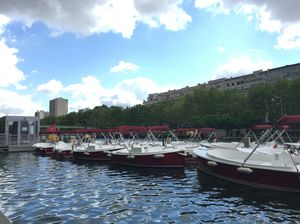A nice boat trip in Paris