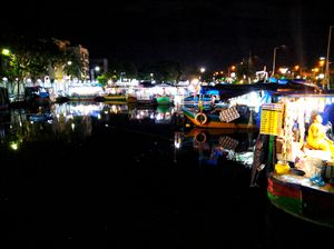 Patuli Floating market .... A good option to spend your Sunday Evening !!