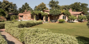 I bet you didn't know this paradise farmhouse existed just an hour away from Delhi