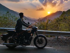 Driving a bullet through the valleys of Himachal.