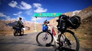 28 Things That Make You Happy During The Unventured Manali Leh Cycling Tour