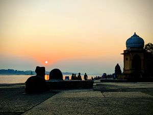Maheshwar - visit to Narmada ghat, Ahilya fort and much more....