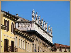 Piazza Santo Spirito 1/1 by Tripoto