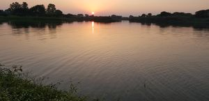Peaceful bank of chambal river. Best for meditation