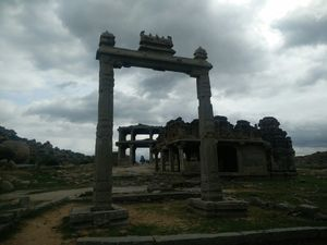 Hampi - Where history comes alive!