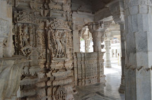 Dilwara Jain Temples 1/3 by Tripoto