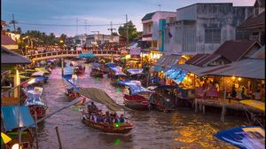 The Amphawa floating market