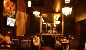 10 Bars in Delhi To Grab a Patiala Peg With 'Chicken di Leg'