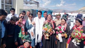 Everything You Need To Know About The Record-Breaking Train To Leh