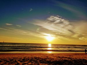 Beach be the best escape ( Muscle Beach)