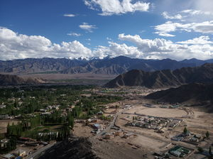 Every Halt, Stopover and Stay you need to know while heading to Leh,Ladakh via road from Manali!