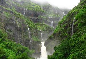 10 incredible Waterfalls in Maharashtra that will leave you speechless
